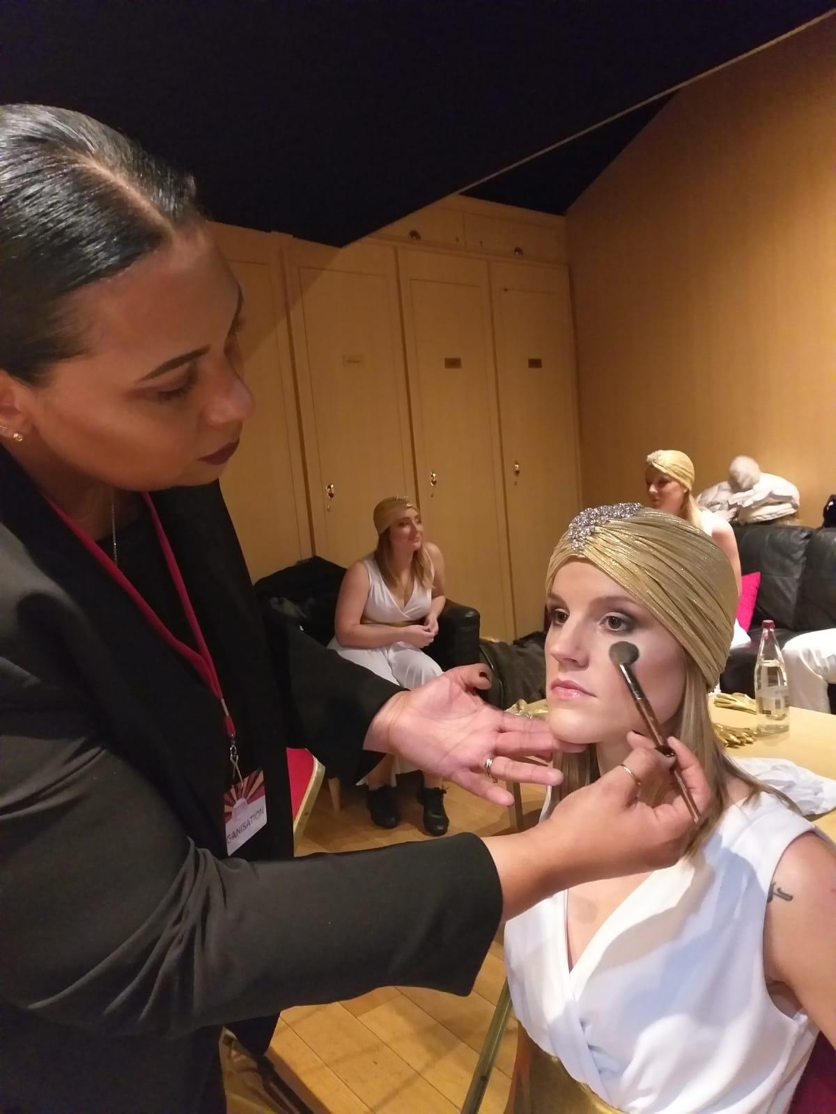 Séance Maquillage au Cirque d'Hiver